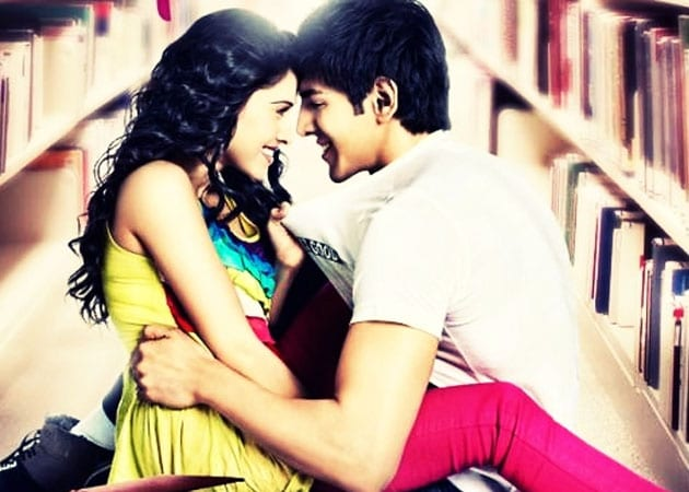 Movie review:: Akaash Vani