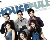 Anupama Chopra reviews: Housefull
