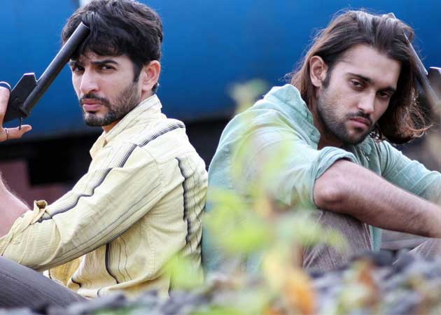 <i>Desi Kattey</i> Movie Review