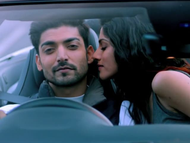 Khamoshiyan Movie Review