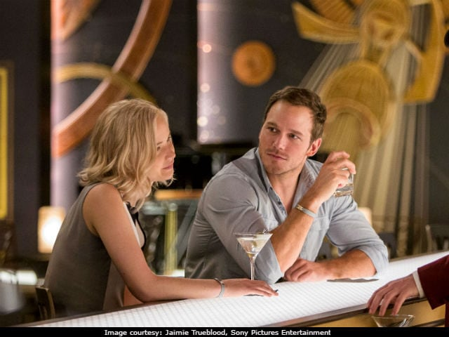 <i>Passengers</i> Movie Review: Jennifer Lawrence, Chris Pratt's Film Is Attractive, If Not Terribly Imaginative