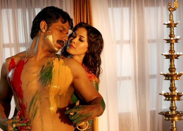 <i>Rang Rasiya</i> Movie Review