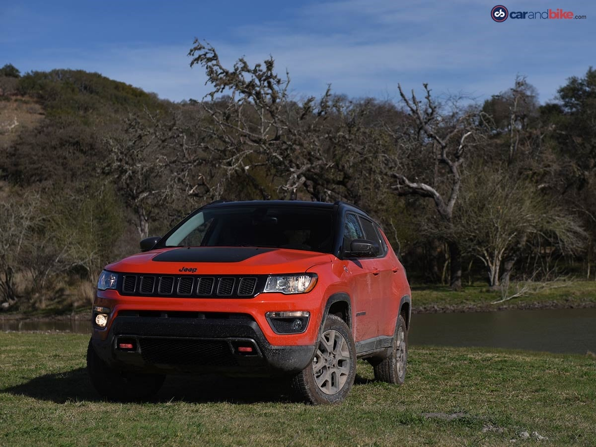 The front oozes with the DNA of the Jeep brand but notice how the DRLs aren't LED