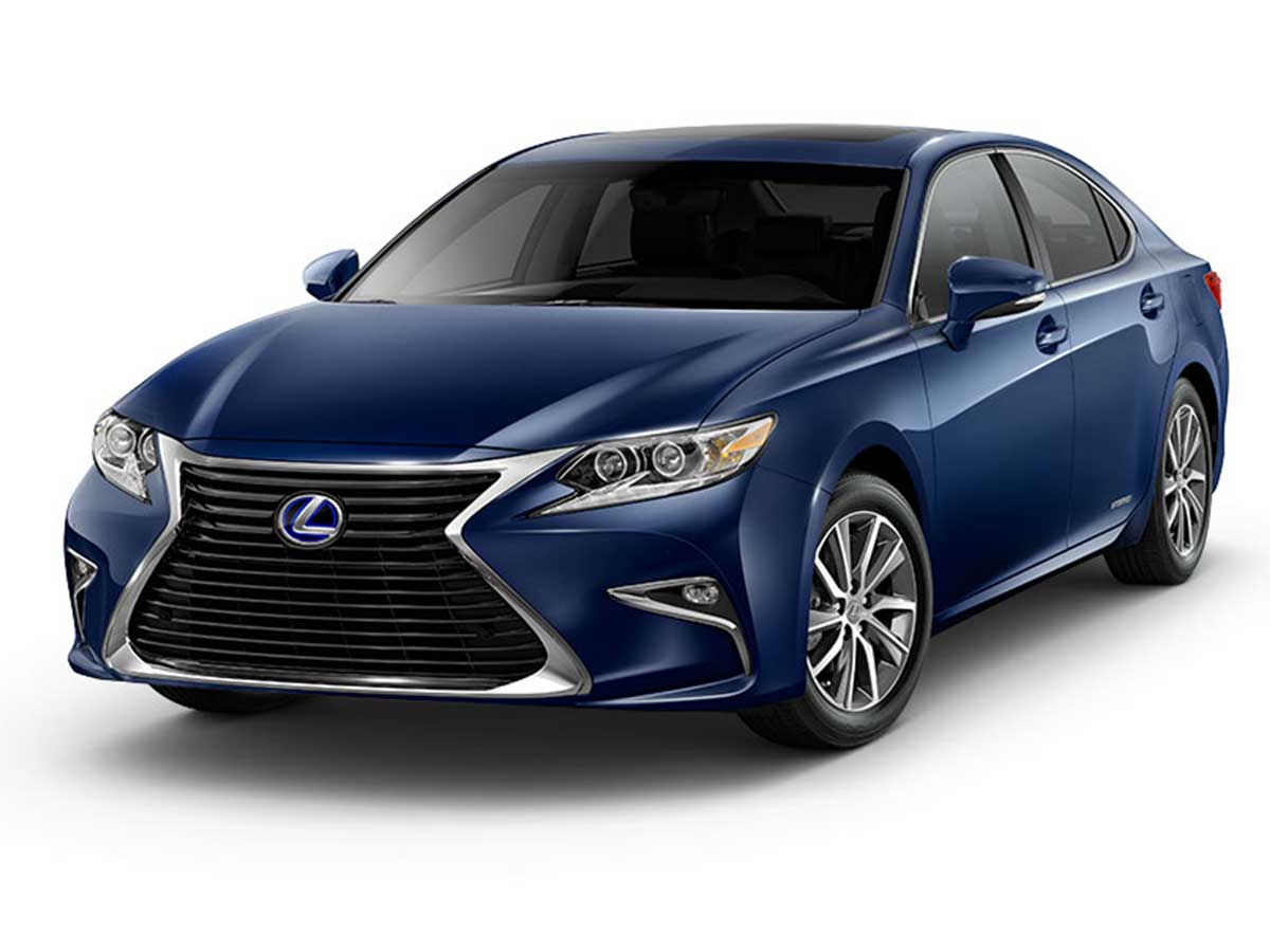 The signature Lexus spindle grille on the ES 300h looks spectacular and the standard LED headlights give the ES 300h a unique look. The wide stance of the car adds to the luxury quotient of the sedan.