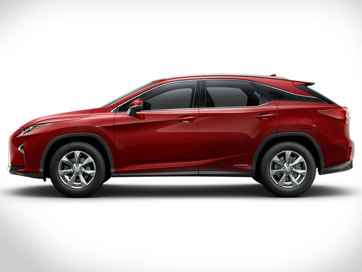The profile of the Lexus RX 450h comes with steeply raked windows with futuristic detailing, squared wheel arches, sporty alloys and a floating-roof-style design.