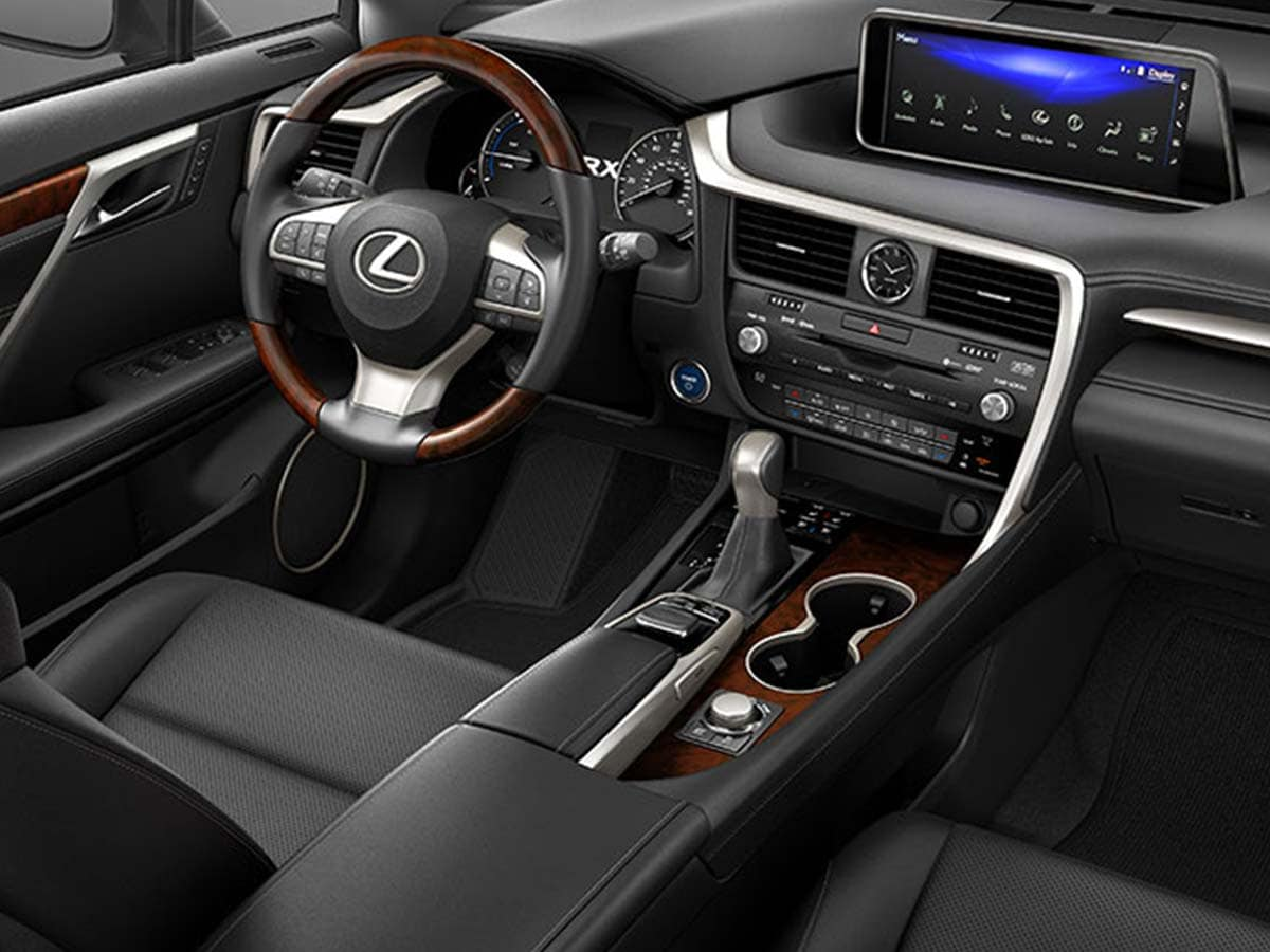 The intuitive cockpit layout comes with remote touch controller in the centre console with a larger stick-out display on the dashboard. The overall cabin is nicely designed with good usage of wood and leather-combinations.