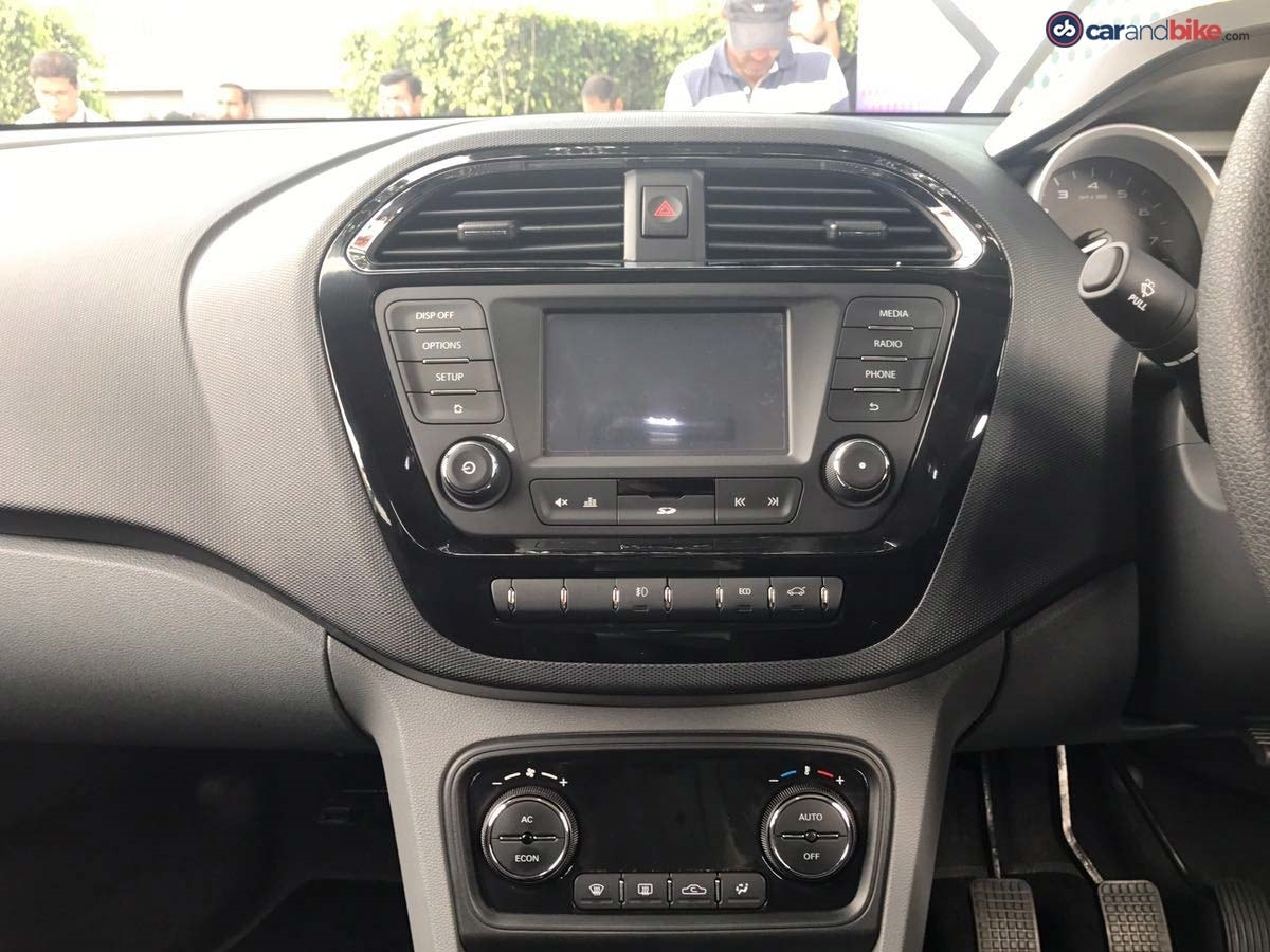 The centre console of the Tigor