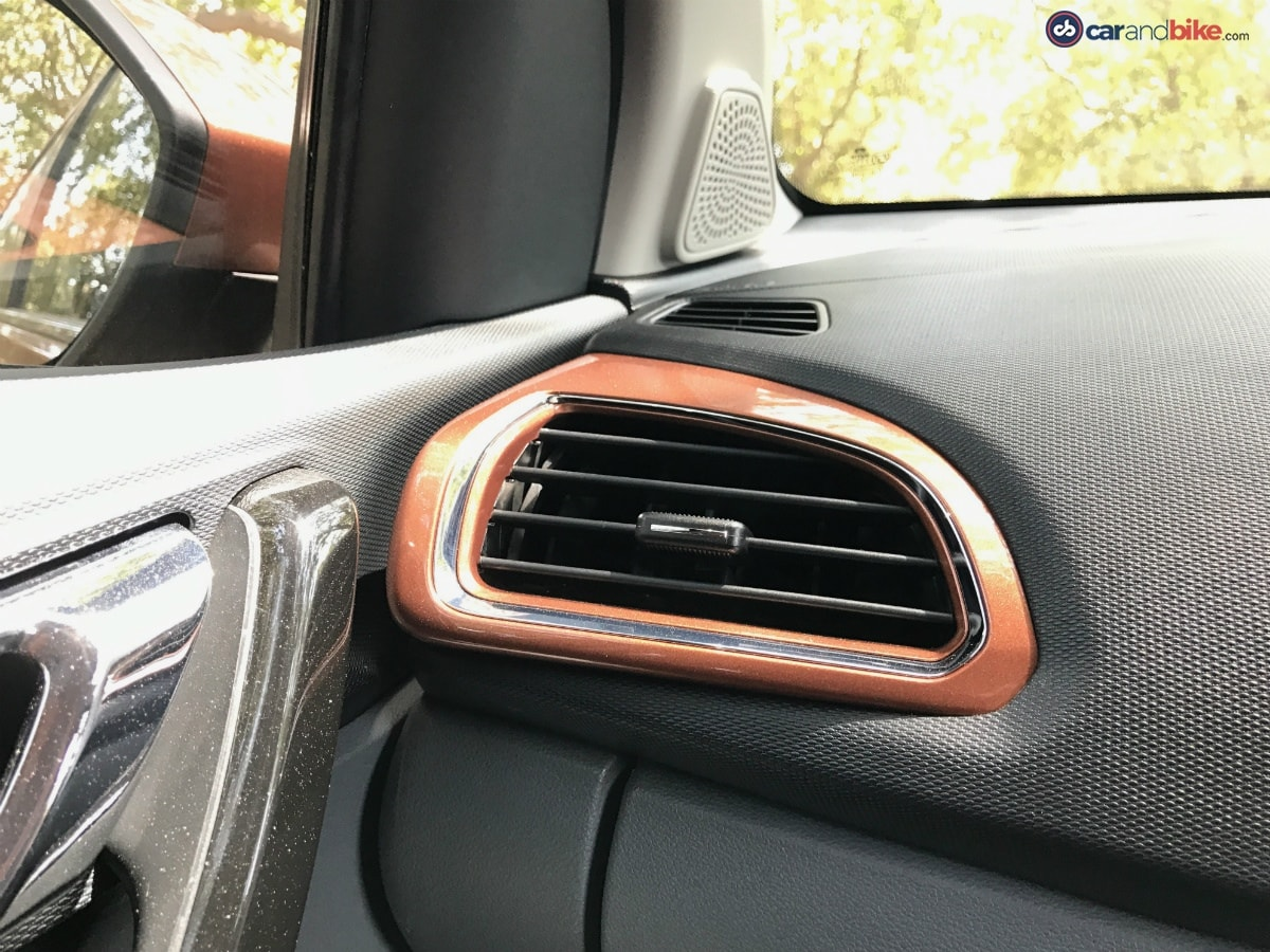 The body-coloured AC vents add a dash of sportiness and premium-ness to the cabin of the Tata Tigor.