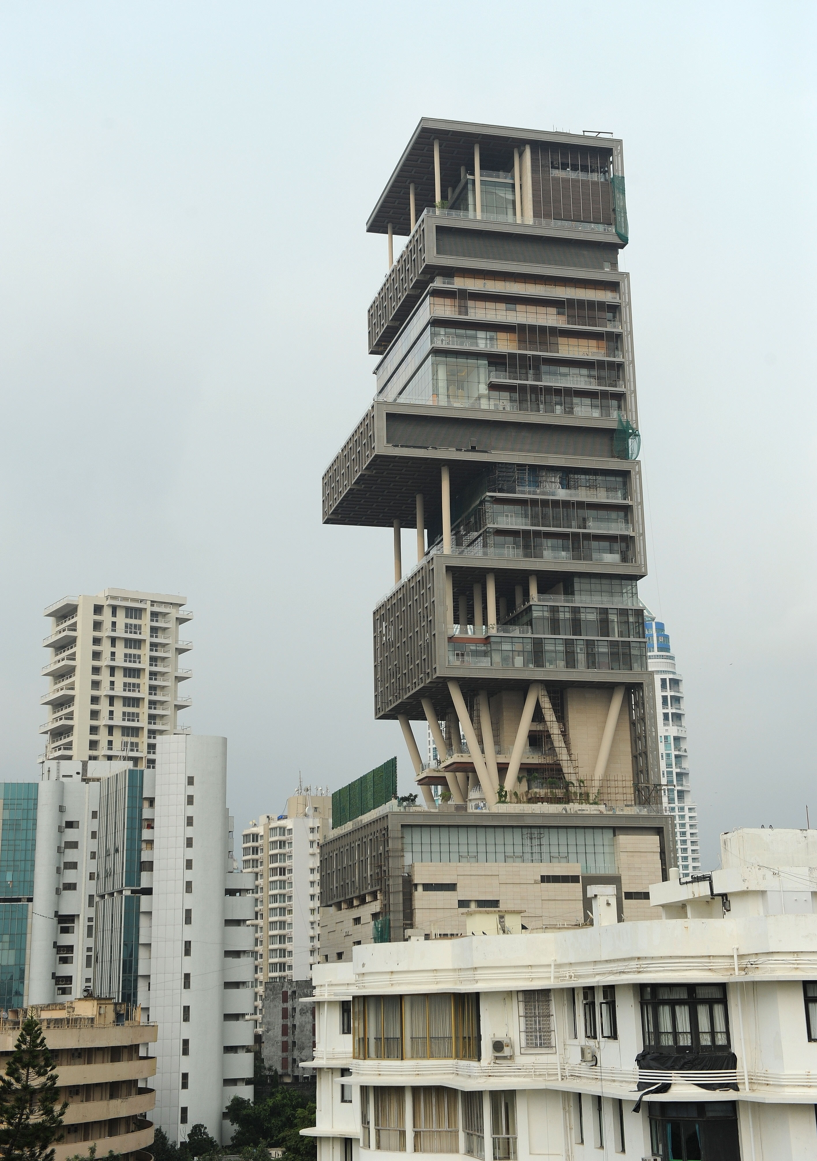 antila12 Mukesh Ambanis billion dollar home image gallery 