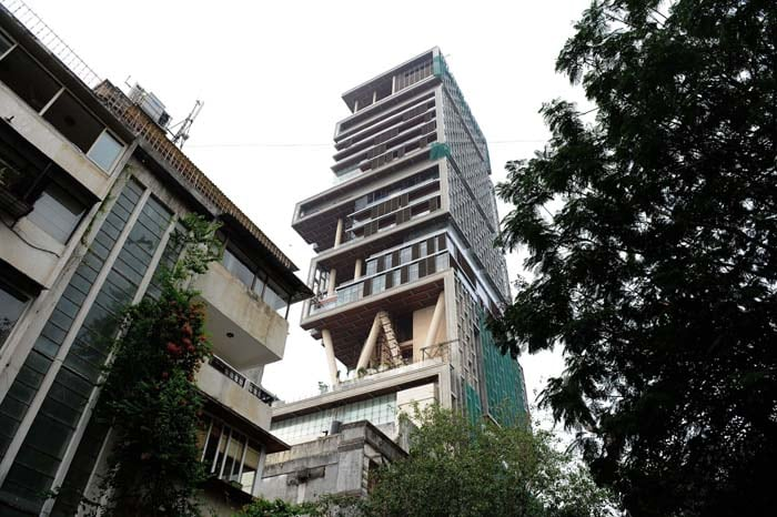 antilla3 Mukesh Ambanis billion dollar home image gallery 