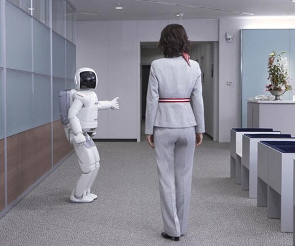 Honda\'s ASIMO robot turns 10