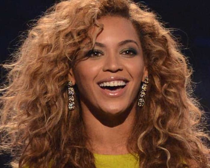Beyonce splashes 700 pounds at an eatery
