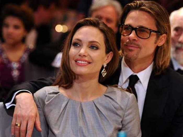 Jolie orders chicken korma, tikka for Pitt