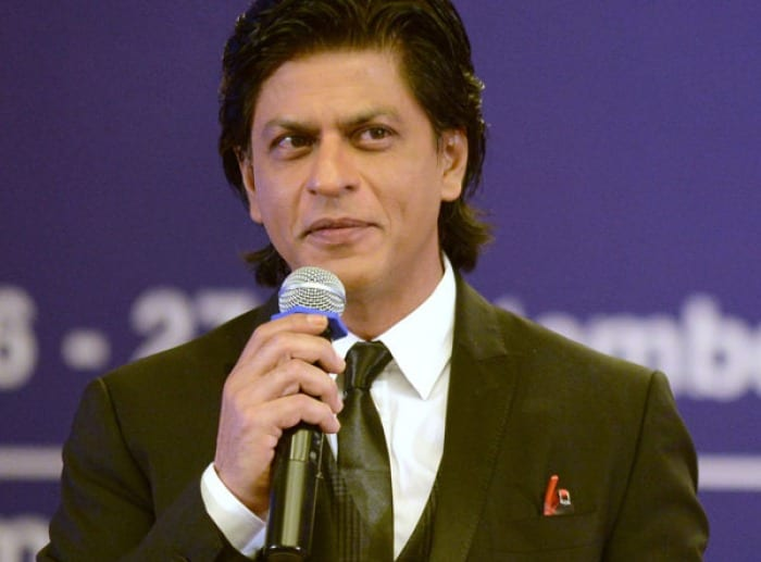 SRK loves eating on flight