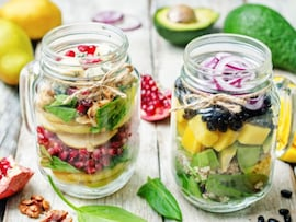 6 Incredible Meals You Can Make in a Mason Jar