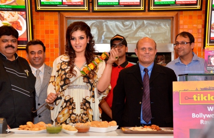 Raveena Tandon inaugurated Tikka Town in Pune