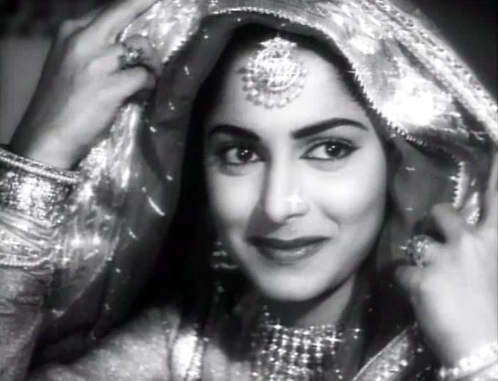 Movie actresses hot photos old hindi movie actresses for Old indian actress photos