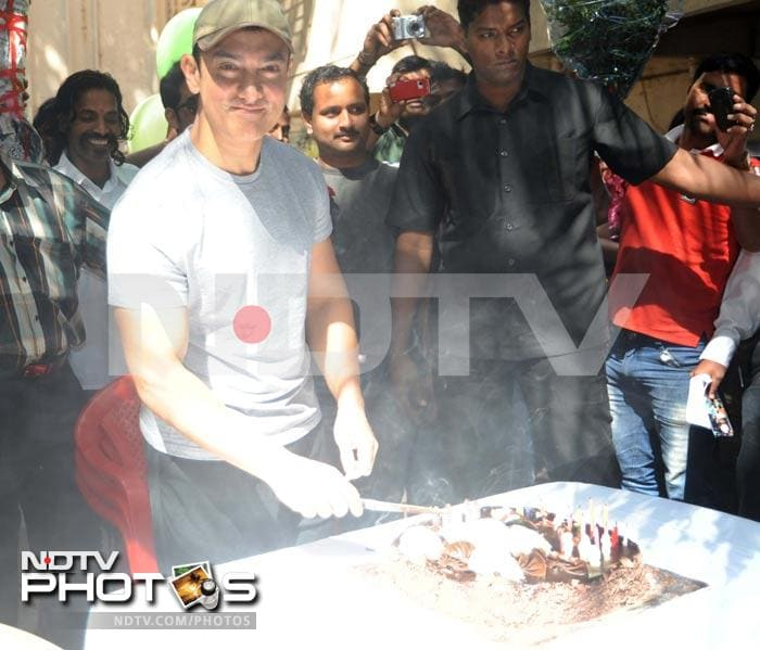 How Aamir spent his birthday
