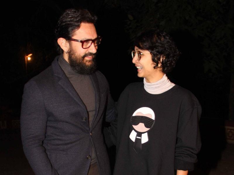 Photo : 'हानीकारक बापू' आमिर खान पत्नी के साथ शादी की सालगिरह मनाने पहुंचे पंचगनी