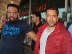 Photo : Divided by Films, United at Airport: Salman Khan, Shraddha-Varun, Akshay