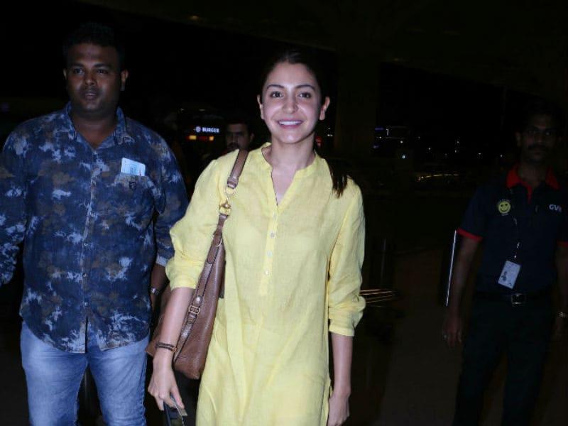 Anushka Sharma Looks Summer-Perfect