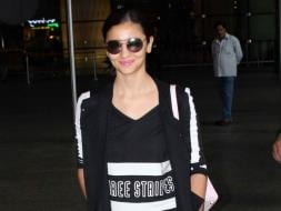 Photo : Alia Bhatt, Bipasha Basu Turn Flight Mode Off