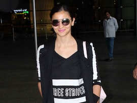 Alia Bhatt, Bipasha Basu Turn Flight Mode Off