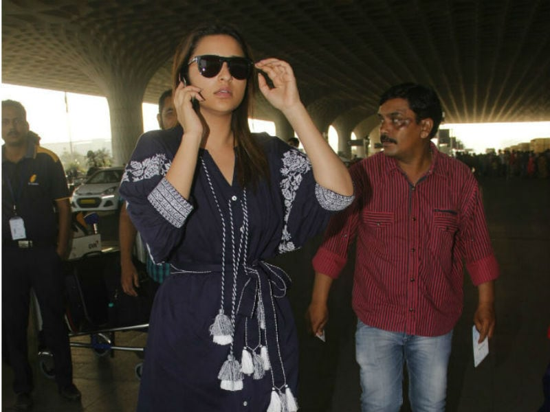 Parineeti Chopra And Shraddha Kapoor Ace The Airport Look