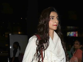 Sonam Kapoor, Twice As Awesome At The Airport