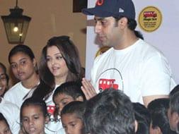 Photo : Ash, Abhishek's Chillar Party