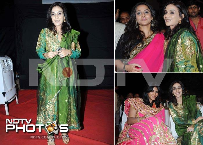 Aishwaryaa Rajinikanth hobnobs with Vidya at Bollywood awards show