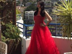 Photo : Cannes 2016: Aishwarya Looks Fabulous in Red