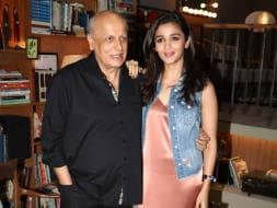Photo : Alia Bhatt And Dad Mahesh Make a Shaandaar Pair