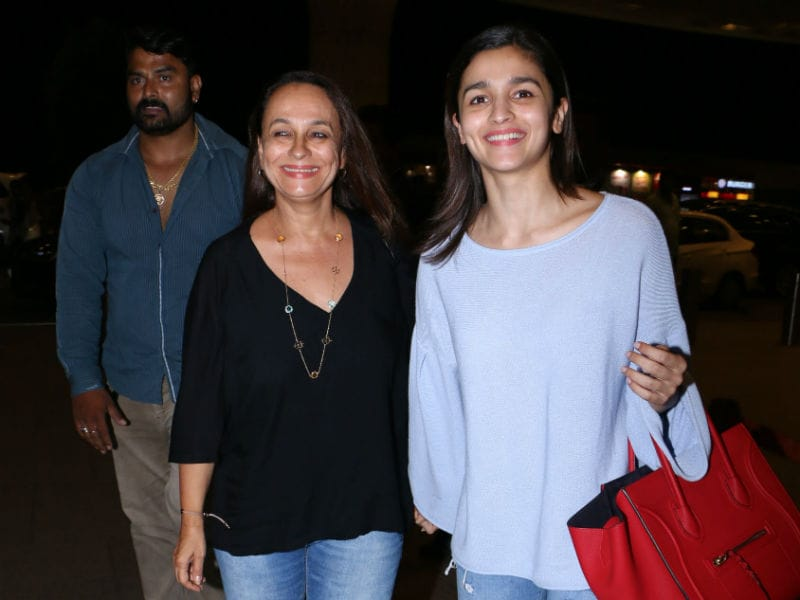 Alia Bhatt Is Happy To Fly With Her Favourite Travel Buddy