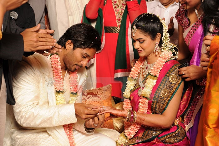 Telugu actor Allu Arjun gets engaged