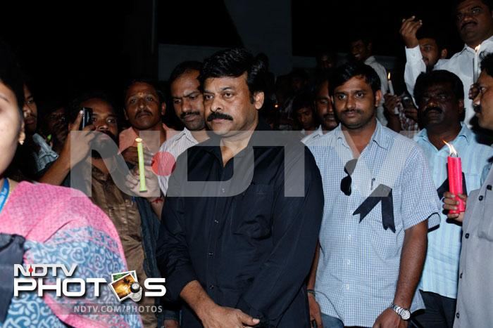 Chiranjeevi pays tribute to Indias daughter Amanat, Photo Gallery