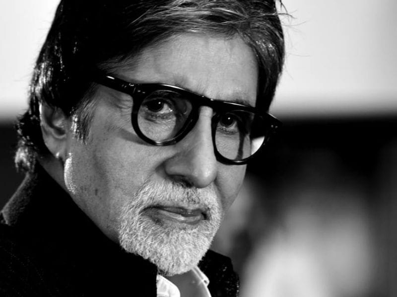Happy Birthday Amitabh Bachchan: Painting Bollywood Pink@74