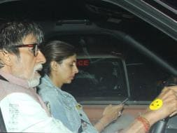 Photo : Amitabh Bachchan And Daughter Shweta Hit The Road And We're Smiling