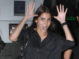 Anushka Sharma's Airport Antics
