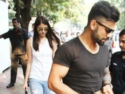 Photo : Anushka Kicked Off Weekend with 'Arm Candy' Virat