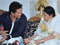 Photo : Sachin meets his favourite singer, Lata her favourite cricketer