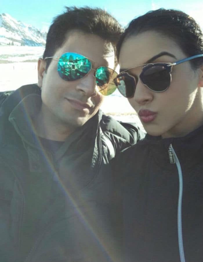 पति राहुल शर्मा के साथ फ्रांस में छुट्टियां मना रही हैं असिन