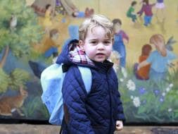 Photo : Prince George is a Dashing Little Gent on First Day at School