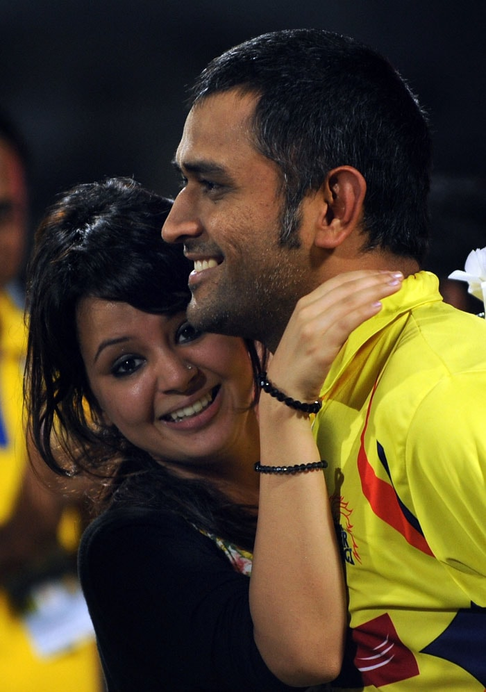 Sakshi celebrates Dhoni's IPL 4 crown