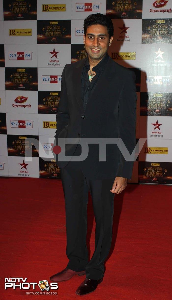 http://drop.ndtv.com/albums/ENTERTAINMENT/bigbstar-awards-2012/abhishek.jpg