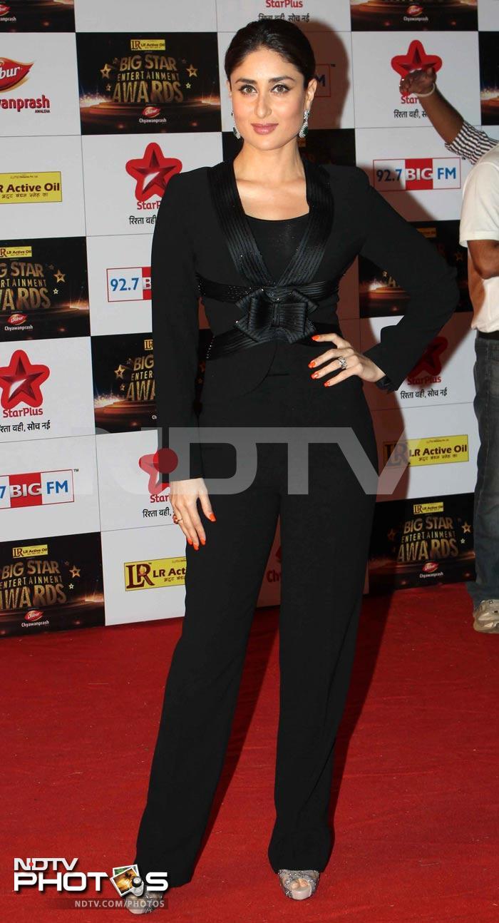 http://drop.ndtv.com/albums/ENTERTAINMENT/bigbstar-awards-2012/kareena.jpg