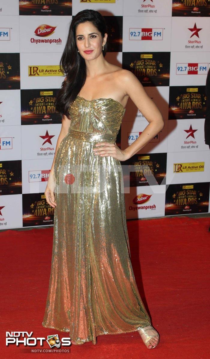 http://drop.ndtv.com/albums/ENTERTAINMENT/bigbstar-awards-2012/katrina.jpg