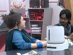 Photo : Bigg Boss 6, Day 9: Love is in the air?