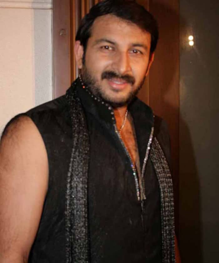 manoj tiwari Salman reveals Bigg Boss 4 contestants image gallery