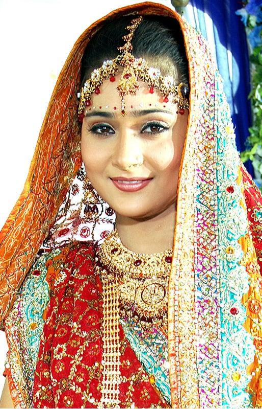 sara khan Salman reveals Bigg Boss 4 contestants